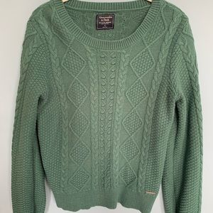 A&F GREEN CABLE SWEATER